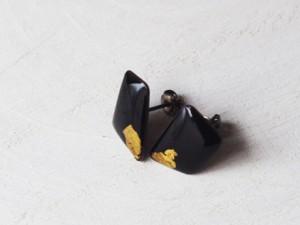 ピアス黒×gold